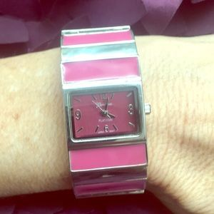 Jewelry - Pink and silver stretch band watch